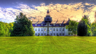 Charlottenlund slott>