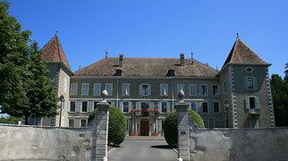 Dardagny Castle>
