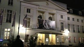Deutsches Theater>