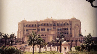 Emirates Palace Hotel>