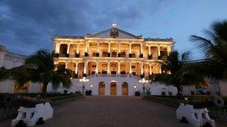 Falaknuma Palace>