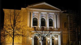 Halle Opera House>