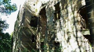 Harewood Castle>