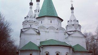 Храм Троицы Живоначальной в Троицком-Голенищеве>