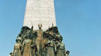 Infantry Memorial (Brussels)>
