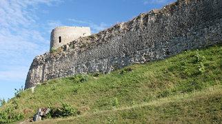 Изборская крепость>