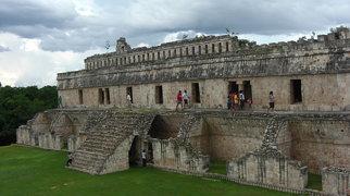 Kabah (Maya site)>