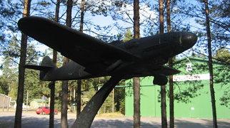 Karhulan ilmailukerho Aviation Museum>