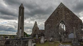 Kilmacduagh monastery>