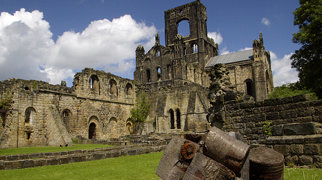 Kirkstall Abbey>