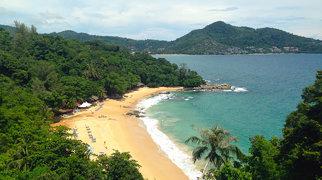 Laem Singh Beach>