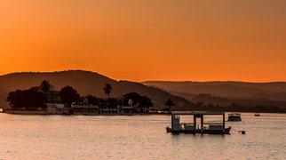 Lake Pichola>