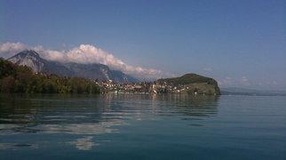 トゥーン湖>
