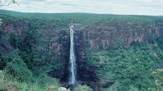 Lofoi Falls>
