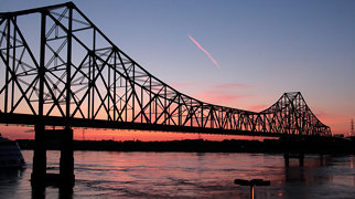Martin Luther King Bridge (St. Louis)>