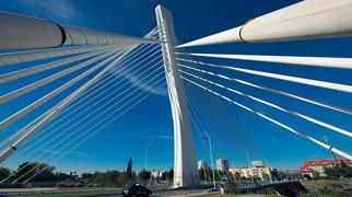 Millennium Bridge (Podgorica)>