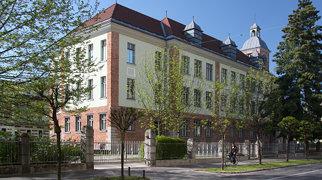 Mladika (building)>