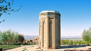 Momine Khatun Mausoleum>