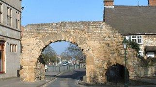 Newport Arch>