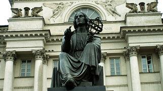 Nicolaus Copernicus Monument in Warsaw>