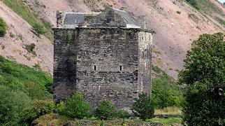 Niddry Castle>
