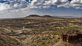Olduvai Gorge>