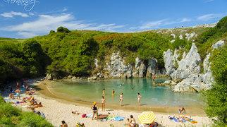 Playa de Gulpiyuri>