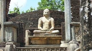 Polonnaruwa Vatadage>