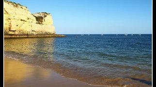 Praia da Senhora da Rocha, Porches>