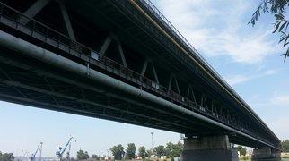 Prístavný most>
