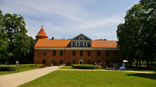 Raudondvaris Castle>