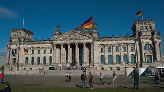 Reichstag building>