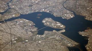 Rikers Island Bridge>
