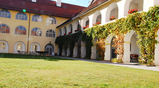 Saint George's Abbey, Längsee>
