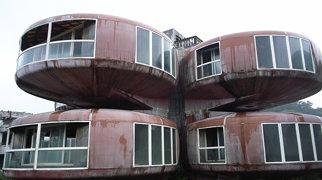 Sanzhi UFO Houses>