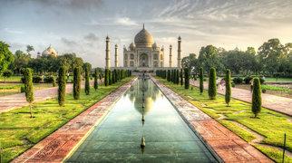 Taj Mahal>