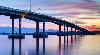 Taksin Bridge>