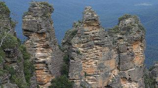 Three Sisters (Australia)>
