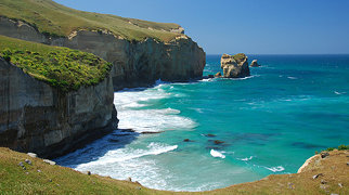 Tunnel Beach>