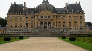Vaux-le-Vicomte>