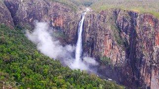 Wallaman Falls>