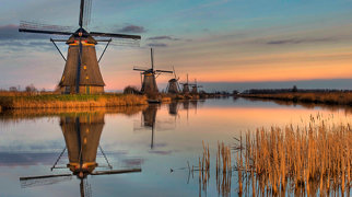 Windmills at Kinderdijk>