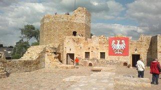 Zamek w Inowłodzu>
