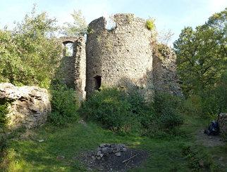 Kolista wieża na zamku Cisy