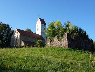 Kościół św. Mikołaja w Świnach od północnego wschodu