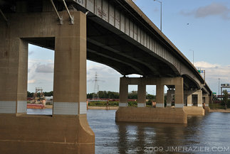 Poplar Street Bridge
