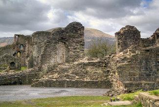 Abergavenny castle tonemapped