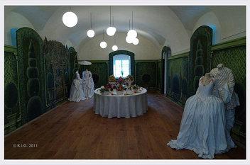 Schlosshof: kostueme 2011-05