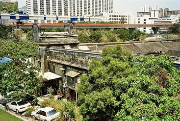 HK 2002 - 034