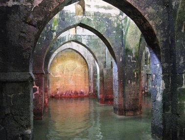 Pool of Arches